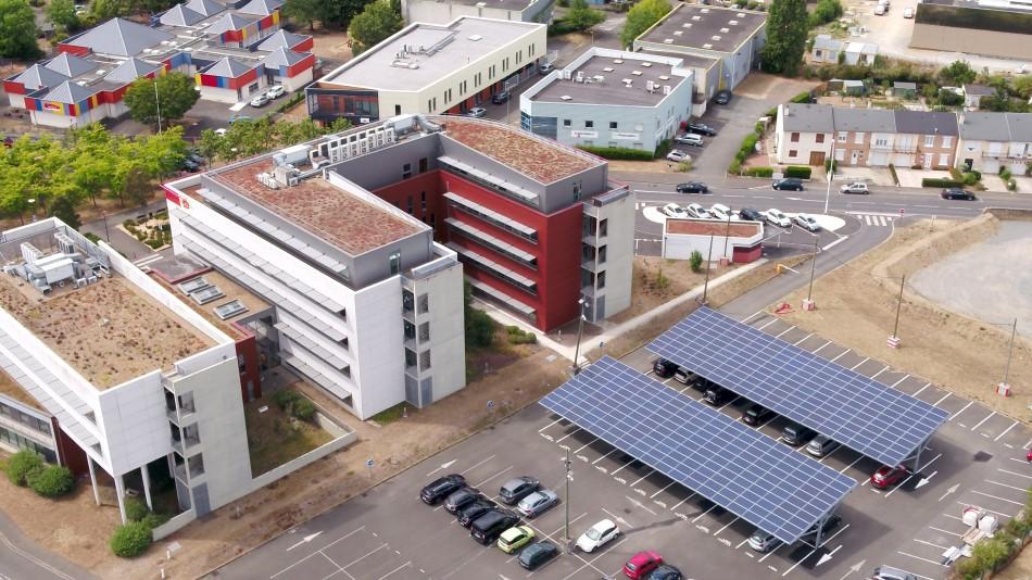 See You Sun est un installateur d'ombrières photovoltaïques et opérateur de recharge